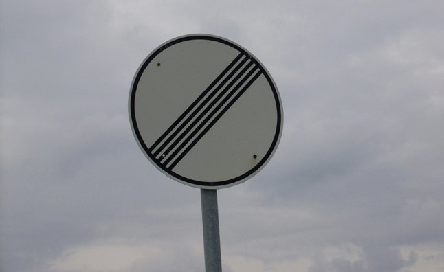 no limit sign autobahn