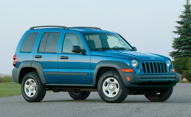Chrysler Changes Tack, Will Recall 2.7 Million Jeeps