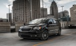 Chrysler Town and Country to Live On, Dodge Caravan Out?