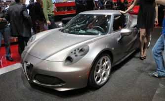 Alfa Romeo 4C Gets Built in Front of the Camera  Video