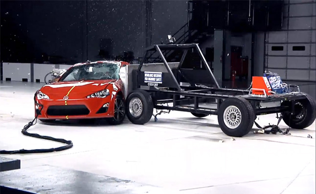 IIHS Side Impact Crash Tests Explained – Video