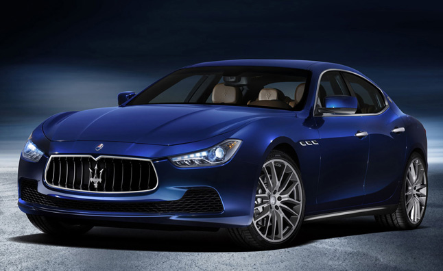 Maserati Ghibli Looks Gorgeous in Blu Emozione Finish