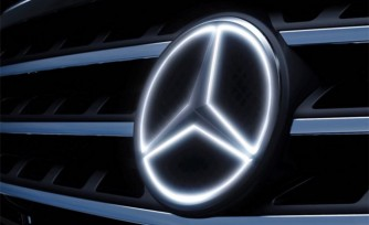 Mercedes Adds Illuminated Star Option  Video