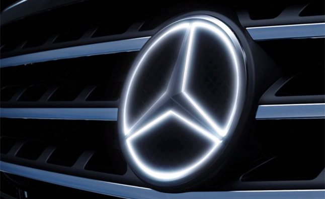 mercedes-benz-illuminated-star