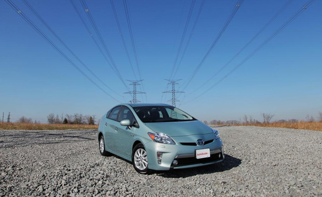 Toyota Prius Plug-in MPG Challenge Second Wave Starts