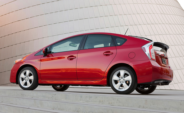 Toyota Holds Over 60 Percent of California's Hybrid Market