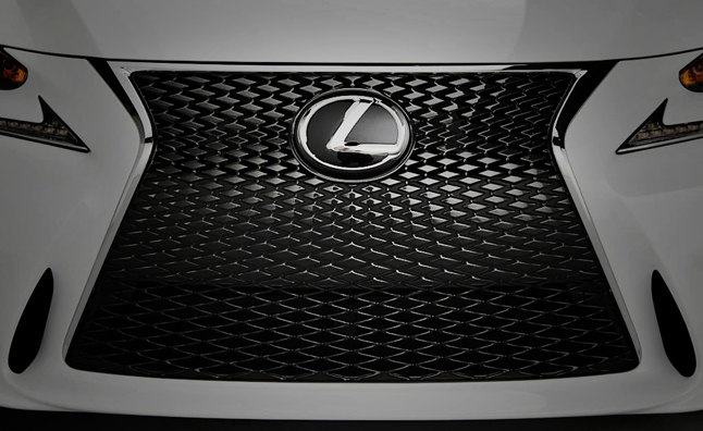 2014-Lexus-IS350-F-Sport-big-grille