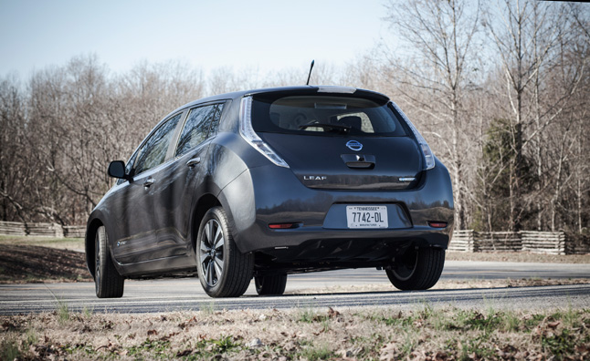 Nissan Leaf Quick Charge Stations Being Added to 100 U.S. Dealerships