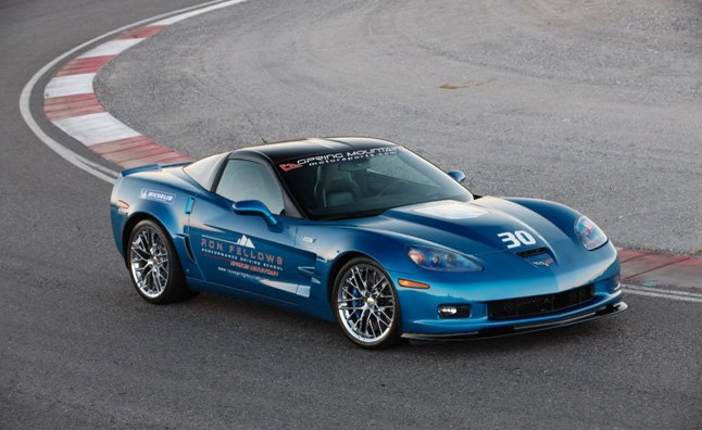 2013-Chevrolet-Corvette-ZR1-027-medium