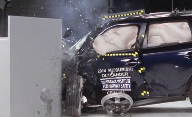 2014 Mitsubishi Outlander Rated as Top Safety Pick Plus