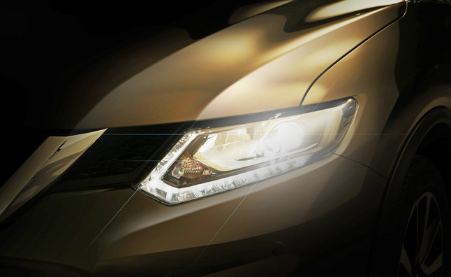 Nissan Teases 2014 Rogue CUV