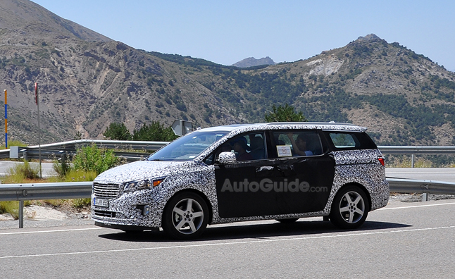 2015 Kia Sedona Spied Hot Weather Testing
