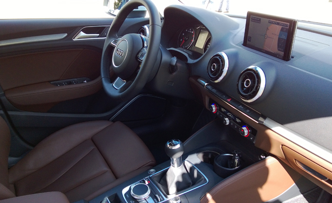 9-Top-10-Things-You-Need-To-Know-About-the-2015-Audi-A3-Sedan-Interior-Design