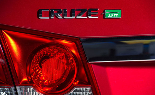 chevrolet-cruze-turbo-diesel-badge