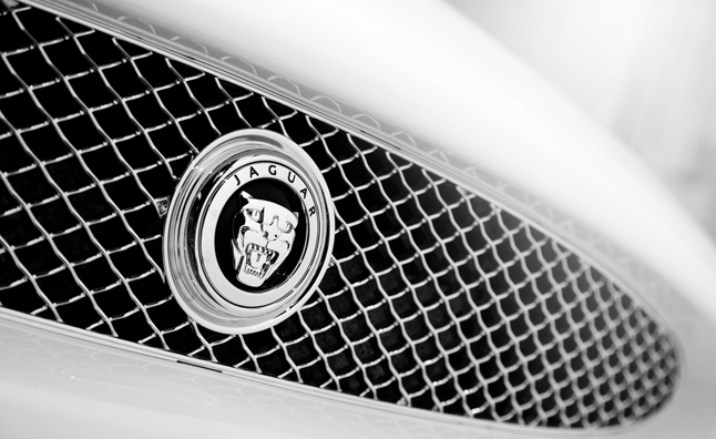 jaguar-badge