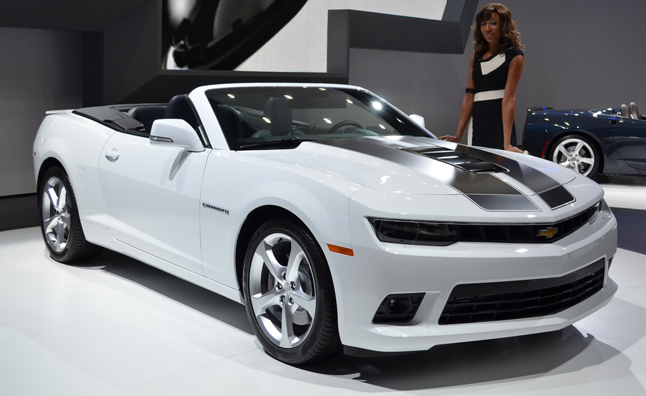 2014 Chevrolet Camaro Convertible Drops Top in Germany