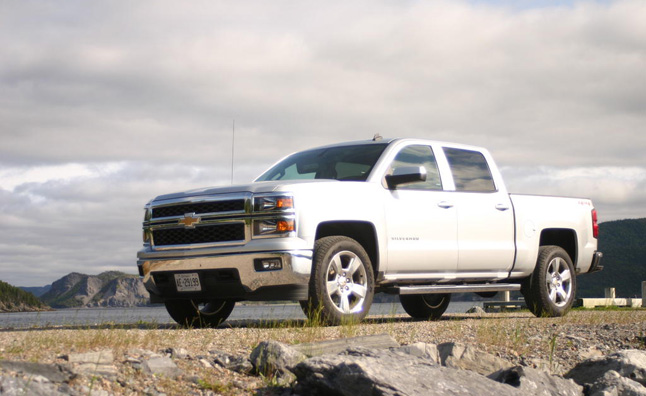 2014 Chevy Silverado Beats Ram 1500: Consumer Reports