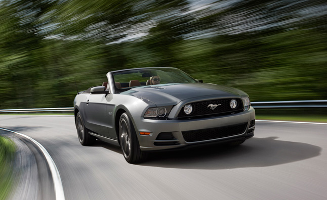 2014-ford-mustang-convertible
