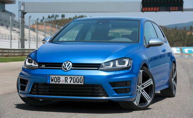 2014-volkswagen-golf-r