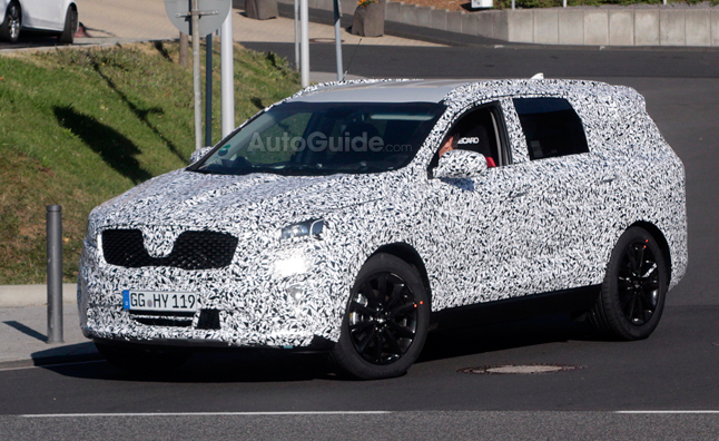Next-Generation Kia Sorento Spied in Germany