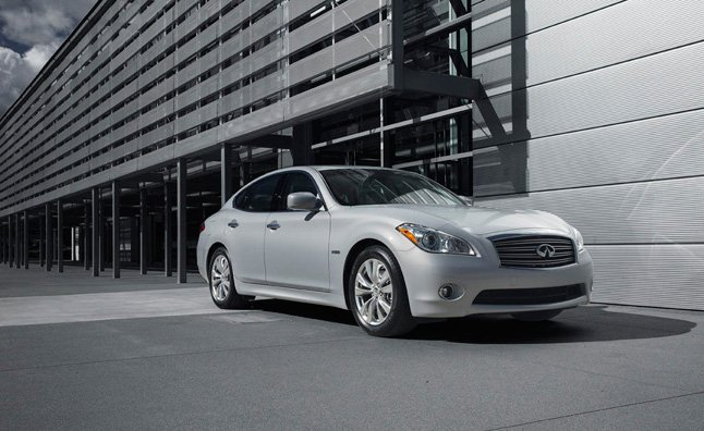 Infiniti M Sedan Among 908,900 Vehicles Recalled