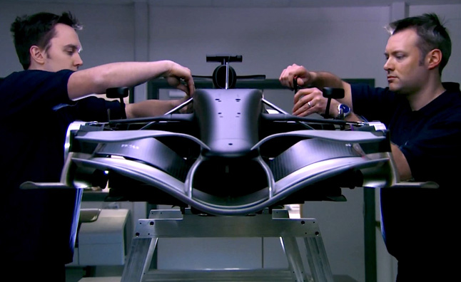 Watch Infiniti Red Bull Racing Build an F1 Car – Video