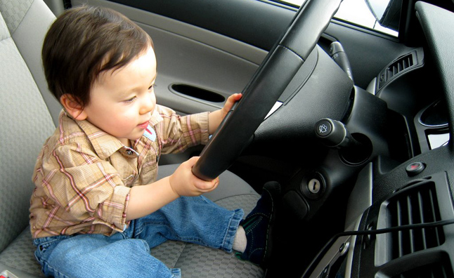kid-driving-car