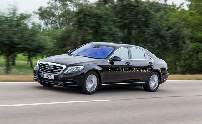 Mercedes S 500 'Intelligent Drive' Chauffeurs Itself