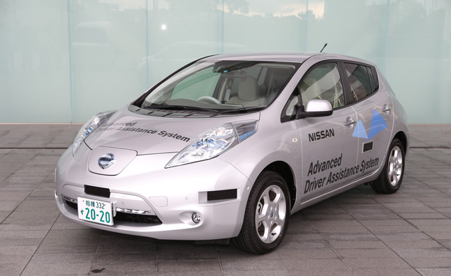 Nissan Begins Public Road Tests of Driverless Leaf