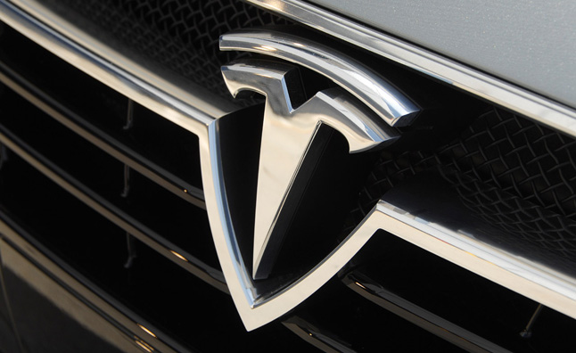 tesla-badge (1)