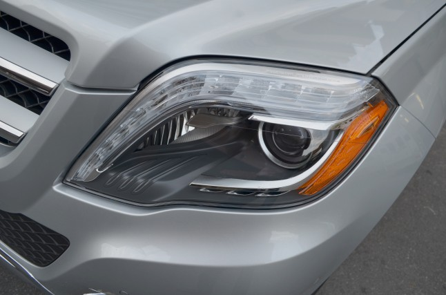 2013-GLK-250-BlueTEC-headlight