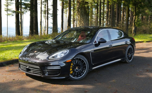 2014-Porsche-Panamera-Turbo-Executive-03