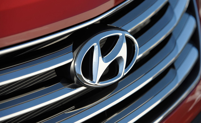 hyundai-badge