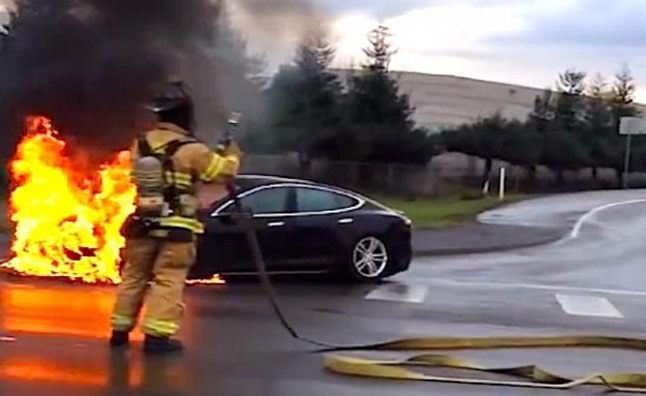 tesla model s fire Electric Cars Less Prone to Fires Than Gas Powered Cars: Tesla CEO