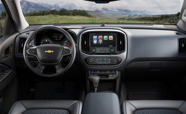 2015-Chevrolet-Colorado-026-medium