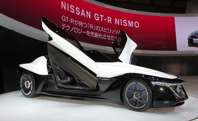 Nissan BladeGlider Concept Puts Driver Front and Center