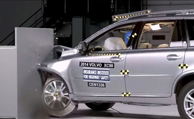 2014 Volvo XC90 Aces IIHS Crash Tests