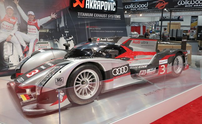 audi-r18-ultra-le-mans-race-car