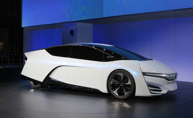 Honda FCEV Concept Previews Green Cars to Come