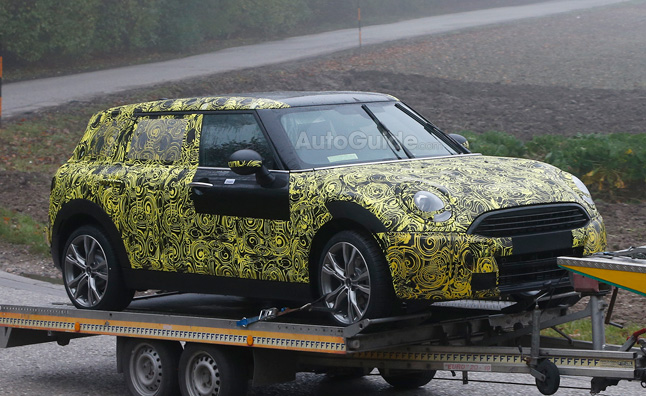 Not So MINI Clubman Spied with Regular Rear Doors