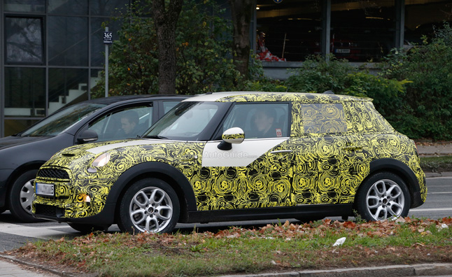 mini-cooper-five-door-hatch-spy-photo