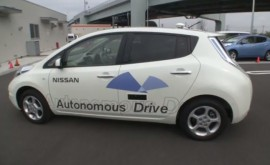 nissan-self-driving-leaf
