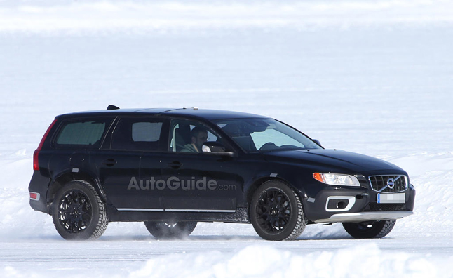 2015 Volvo XC90 Launching with Plug-in Hybrid Variant