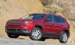 2014-Jeep-Cherokee-parked_rdax_646x396 (1)
