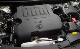 2014-Toyota-Avalon-Engine