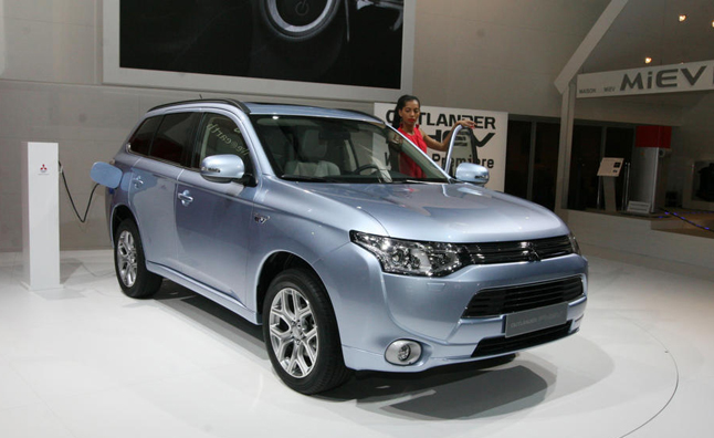 Mitsubishi Outlander PHEV Delayed by Battery Shortage