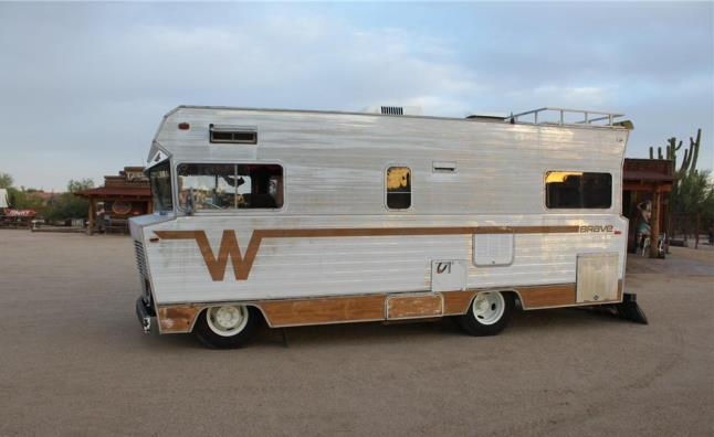 1972-WINNEBAGO-CUSTOM-hotrod-RV