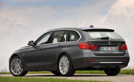 2014-BMW-328i-xDrive-Sports-Wagon-Rear