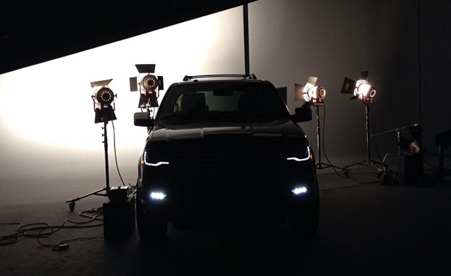 2015 Lincoln Navigator Teased, will get 3.5L EcoBoost