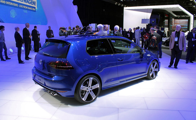 2015 Volkswagen Golf R Video, First Look